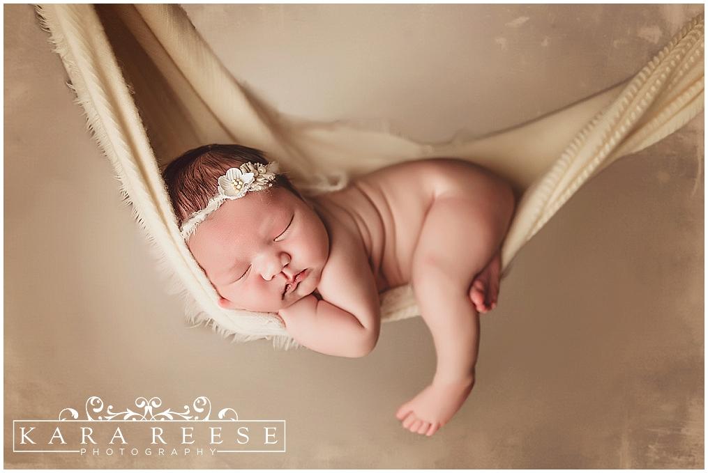 Beautiful baby lily brookfield newborn photography waukesha newborn baby photographer kara reese photography